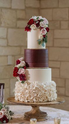 Autumn Wedding Cakes, Pretty Wedding Cakes, Black Wedding Cakes, Unique Wedding Cakes, Wedding Cake Designs, Wedding Themes, Unique Weddings, Wedding Colors, Wedding Blog
