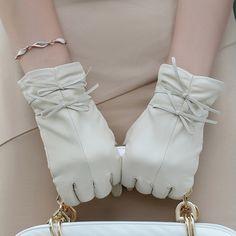 Leather gloves women's sheepskin winter thermal sheepskin genuine leather gloves bow w-16