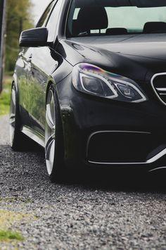 ★ Mysterious Black ★ Mercedes-Benz E63 AMG