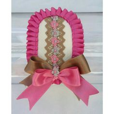 🎀 Diadema Rosa Camel, centro pasamaneria flores, lazo bicolor Ref.035  #diadema #broche #orquillas #coleteros #pasadores pepaties@gmail.com  #PepaTies 🎀 Crochet Hats, Accessories, Ideas, Fashion, Satin Bows, Kids Fashion, T Shirt, Fashion Headbands, Hair Ornaments