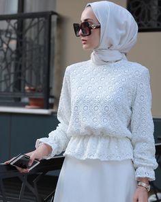 Style hijab party 49 new Ideas Hijab Casual, Modest Fashion Hijab, Modern Hijab Fashion, Islamic Fashion, Hijab Chic, Muslim Fashion, Fashion Dresses, Abaya Fashion, Hijab Dress Party