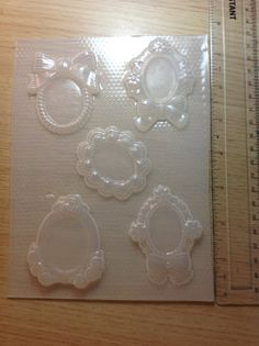 Cameo Frame Flexible Plastic Resin Mold Palette by JewelzByLiz, €9.57