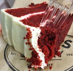Repin again because it's been FOREVA since I had red velvet anything.