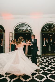 Modernly Romantic California Wedding - MODwedding Fairytale Wedding Day of Gal Wedding Greystone Mansion Wedding Bluebell Florals Huntington Catering RedShoe LA DJ My One Love photography First dance