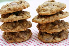Oatmeal Chocolate Chip Crispy Chewy Cookies that I think I could eve bake in Moldova.... hmm..