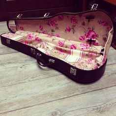 3/4 Vintage Violin Case INSIDE handcrafted with beige and pink flowers and stripes fabrics.. €175.00, via Etsy.