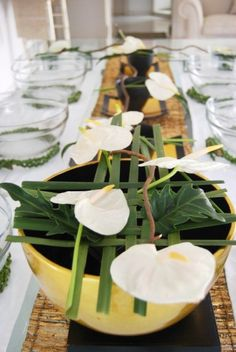 Simple Oriental Style designs for your dinning table set up. Adorn your bowls and displays with greens.