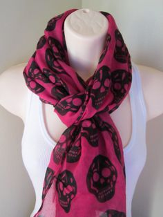 \ Pink & Black Scarf Skull by AccessoriesbyEllaB Skull Fashion, Punk Fashion, Fashion Beauty, Fashion Outfits, Lolita Fashion, Skull Scarf, Pinterest Fashion, How To Wear Scarves, Casual Outfits