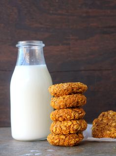 Healthy Breakfast Ideas Easy To Make : oats and pumpkin breakfast cookies - Healthy Halloween Pumpkin Cookies, Pumpkin Cookie Recipe, Pumpkin Recipes, Fall Recipes, Cookie Recipes, Vegan Pumpkin, Holiday Recipes, Pumpkin Breakfast Cookies, Breakfast Cookie Recipe