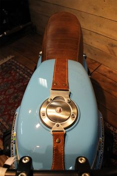 Moto Guzzi V7 tank leather strap