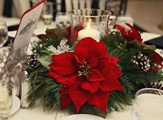 33 Charming Christmas Wedding Centerpieces | HappyWedd.com