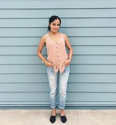 Today is Tuesday and barely made it out of bed! 😳 weekend needs to come here faster! Here is today's  #outfitoftheday soft colors and comfiness were required today! #stephanykleen #ootd #outfitideas #pinktop #boyfriendjeans #flats #fashionideas  ootd,flats,stephanykleen,pinktop,fashionideas,boyfriendjeans,outfitoftheday,outfitideas