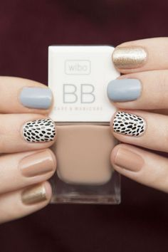 Rate this post spring neutral nails with a black and white patterned accent nail. spring neutral nails with a black and white patterned accent nail. Neutral Nail Art, Pastel Nail Art, Neutral Nail Designs, Easy Nail Designs, Shellac Nail Designs, Accent Nail Designs, Neutral Colors, Colours, Love Nails