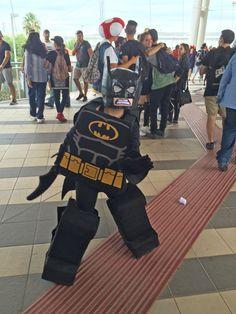 Cosplay, la top 10 del Romics scelta da noi. Vince l'Uomo Tigre, ma il Lego-Batman merita un ex aequo.
