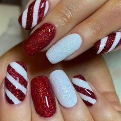 Christmas Gel Nails, Holiday Nail Art, Christmas Nail Art Designs, Easy Christmas Nail Art, Xmas Nail Art, Christmas Makeup, Christmas Costumes, Christmas Crafts, Snowman Nail Art