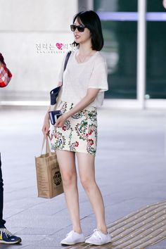 Official Korean Fashion : F(x) Sulli Airport Fashion Fashion Moda, Kpop Fashion, Asian Fashion, Girl Fashion, Fashion Trends, Airport Fashion, Style Fashion, Yoona, Snsd