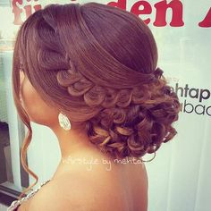 35 Gorgeous Updos for Bridesmaids: Classy and Elegant Bun Updo for Bridesmaids
