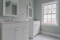 No need to fight over sink space in this bathroom! Parents with more than one kid know the struggle, brushing your teeth, doing your hair or make up...no need to fret! There is room for all! (And still a gorgeous master for parents to have their own space) its a win win!  Don't forget to stop by this Sunday from 12-2pm.  13 Old Lantern Dr. Bethel CT 📷: @davenoonan_