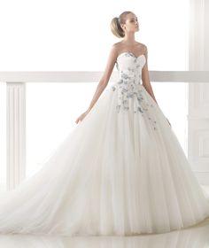 CERELIA - Vestido de novia corte princesa. Pronovias 2015 | Pronovias