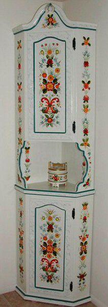 "My Øs Cabinet - Joanne MacVey Hun skriver ""Øs"", men jeg regner med hun mener Osmaling. :-)"