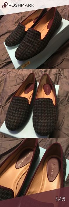 Plaid flats Beautiful conditions. So soft has cushion sole. Purchased at Dillards. Top line of there's. They are a green and wine color. ANTONIO MELANI Shoes Flats & Loafers