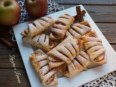 Questi saccottini alle mele sono dei dolcetti golosissimi che si preparano in un batter d'occhio. Ancora una volta cannella e mela sono un connubio perfetto