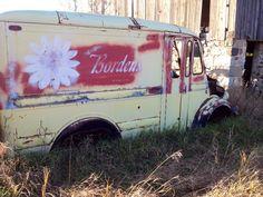 Vintage Milk Truck Van Signage, Vehicle Signage, Step Van, Glass Milk Bottles, Shop Truck, Vintage Vans, Old Photos, Offroad, Tractors