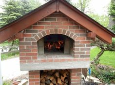 The Creagioli Family Wood-Fired DIY Brick Pizza Oven in Illinois - BrickWood Ovens Wood Fired Oven, Wood Fired Pizza, Bricks Pizza, Four A Pizza, Pizza Ovens, Northern California, Firewood, Building A House, Handy Man