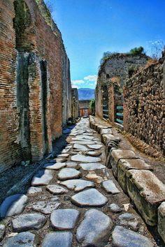 Ancient City of Pompeii, Campania, Italia Pompeii Ruins, Pompeii Italy, Pompeii And Herculaneum, Ancient Ruins, Ancient Rome, Ancient History, Italy Vacation, Italy Travel, Italy Trip
