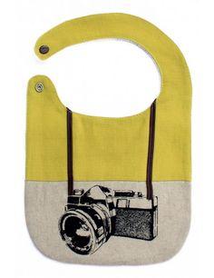 bavaglino fashion e comodo con il bottone a pressione! Tante altre idee cool per le mamme sul sito mammabanana.com
