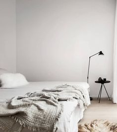 Minimal and chique home - via Coco Lapine Design
