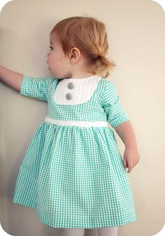 Sweet dress with pleated yoke tutorial: from craftiness is not optional!