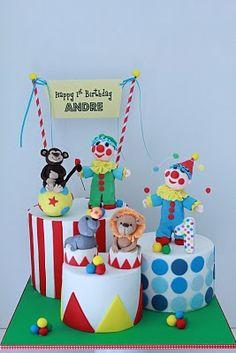 ideia: 3 mini bolos com caminhos a uni-los, a diferentes alturas.