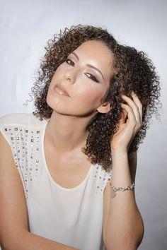 Virgin Hair Fertilizer, Bouncy Curls, African American Hairstyles, Deep Conditioner, Damaged Hair, Wavy Hair, Hair Growth, Roots, Wave