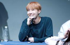 J-Hope ❤ BTS at the Sinchon Fansign #BTS #방탄소년단