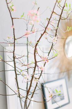 @Alaina Kaczmarski Chicago Apartment Tour // fresh flowers // photography by Stoffer Photography