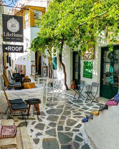 Instagram-kuva käyttäjältä George Kormpos 🇬🇷 • 8. lokakuuta 2019 klo 19:55 Naxos Greece, Greece Travel, Patio, Outdoor Decor, Instagram, Naturally Curly, Curly Bob, Islands, Congratulations