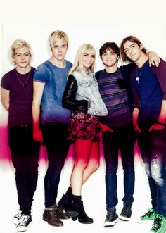 THEY ALL LOOK SO HOT IN THIS PICTURE I JUST...I CAN'T. Ellington and the stubble and Riker with the hair and the face and ROSS and just OH MY GOSH