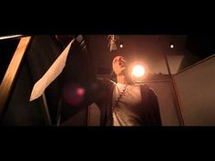 Music video by Eminem performing No Love. (C) 2010 Aftermath Records  #VEVOCertified on July 30, 2012. http://www.youtube.com/vevocertified