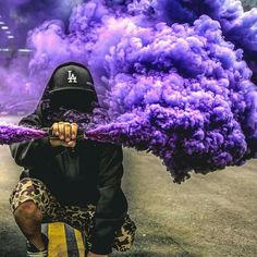 Kwai, capture the world, share your story. Smoke Bomb Photography, Urban Photography, Photography Tips, Portrait Photography, Digital Photography, Smoke Pictures, Cool Pictures, Cool Photos, Smoke Mask