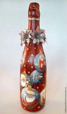 Navidad Wine Bottle Candles, Wine Bottle Art, Painted Wine Bottles, Hand Painted Wine Glasses, Christmas Decoupage, Christmas Crafts, Christmas Wine Bottles, Jar Art, Glass Bottle Crafts