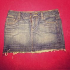 Old Navy Jean Skirt Size 8 Regular - 100% Cotton - No rips or stains Old Navy Jeans