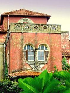 Heart window :) Verona Veneto / Veneto region of Italy, capital Venice, Venezia #ItalyTravelInspiration