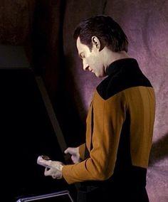 Commander Data from Star Trek: The Next Generation Star Trek Data, Star Trek Tos, Star Wars, Star Trek Voyager, Star Trek Theme, Star Trek Original Series, Classic Sci Fi, Star Trek Universe, Love Stars