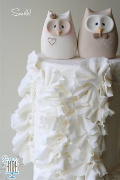 Topper for my wedding cake! Owl Cake Toppers, Wedding Cake Toppers, Wedding Cakes, Owl Wedding, Wedding Ideas, Dream Wedding, Wedding Inspiration, Rolo Cupcakes, Cupcake Cakes