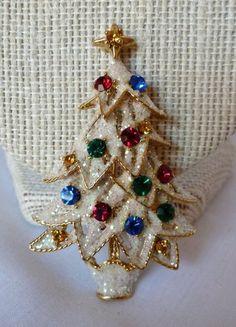 Fab Vintage EISENBERG ICE Rhinestone Frosted Christmas Tree Brooch/Pin