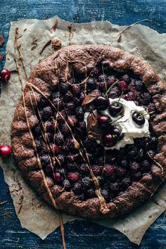 This Chocolate Cherry Galette combines a chocolate pie crust and an irresistible chocolate cherry filling. Chocolate Pie Crust, Chocolate Pies, Chocolate Cherry Cake, Cacao Chocolate, Tart Recipes, Sweet Recipes, Dessert Recipes, Sweet Pie, Sweet Tarts