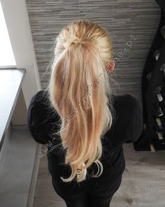 http://wlosy-naturalne.pl/en/4-pigtails-ponytails  #ponytie #beautiful #beuatifulwoman #style #classic, #amazinglonghair #longhair #extensions #hairextensions