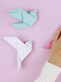 20 Best Origami Creations for Kids voiceBoks Directory Uncategorized origami bird Origami Bird Easy, How To Do Origami, Origami Dove, Origami Simple, Easy Origami For Kids, Cute Origami, Money Origami, Origami Butterfly, Useful Origami