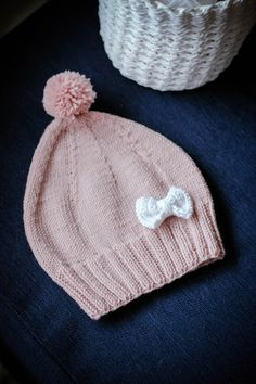 neulottu pipo Knitted Baby Clothes, Knitted Hats, Diy Hat, Baby Knitting Patterns, Fun Projects, Knit Crochet, Weaving, Beanie, Barn